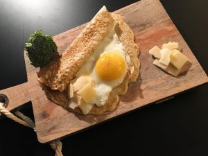 Oeuf au plat et tortilla au son d'avoine